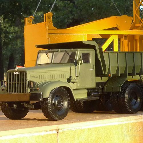 Масштабна модель вантажівки КрАЗ 222