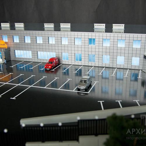 макет торгово-офисного центра с подсветкой