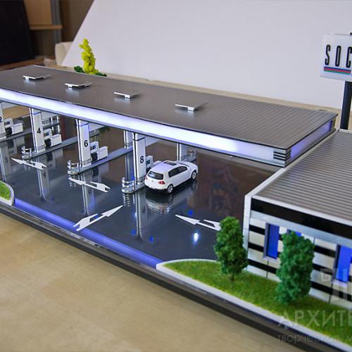 макета заправочной станции «Socar» с подсветкой