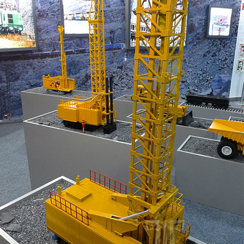 Custom made model of the drilling rig