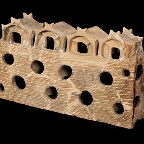 Макет трипільського будинку, обпалена глина. 4600-3900 до н. е.
