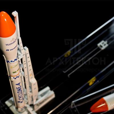 Модель ракети, виготовлена на замовлення