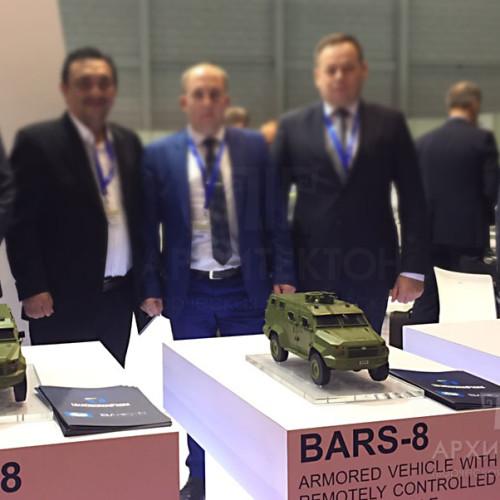 Виготовлення виставкових моделей військової техніки