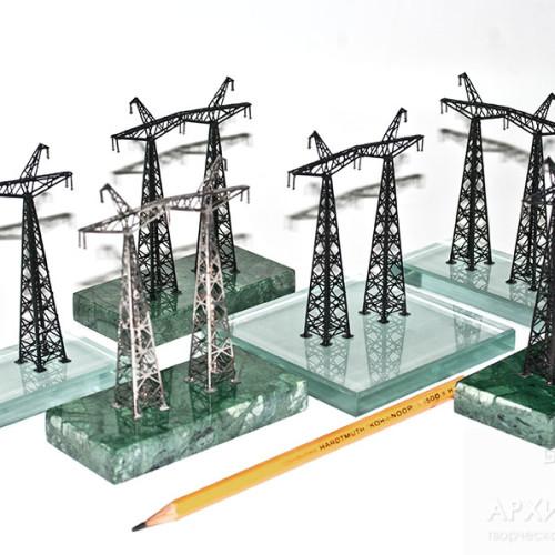 Макет опоры линии электропередачи с использованием натурального мрамора