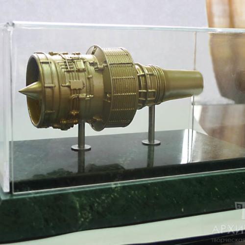 Подарочная модель турбореактивного двигателя Д-436 масштаб 1:30