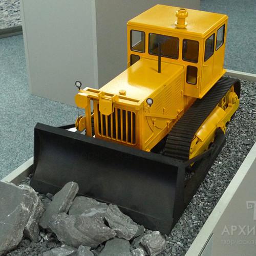 Макет трактора для музею, масштаб 1:20
