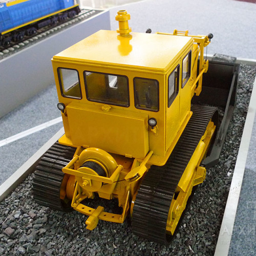 3D друк трактора С-100, масштаб 1:20