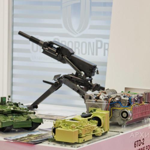 Моделі техніки, виготовлені на замовлення на виставці