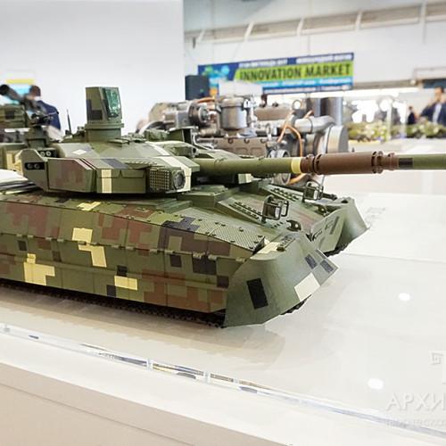 """Виготовлення моделей бойової техніки: танк БМ """"ОПЛОТ"""""""