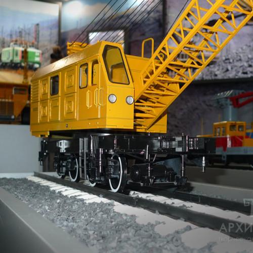 Музейна модель залізничного крана КЖДЕ-25